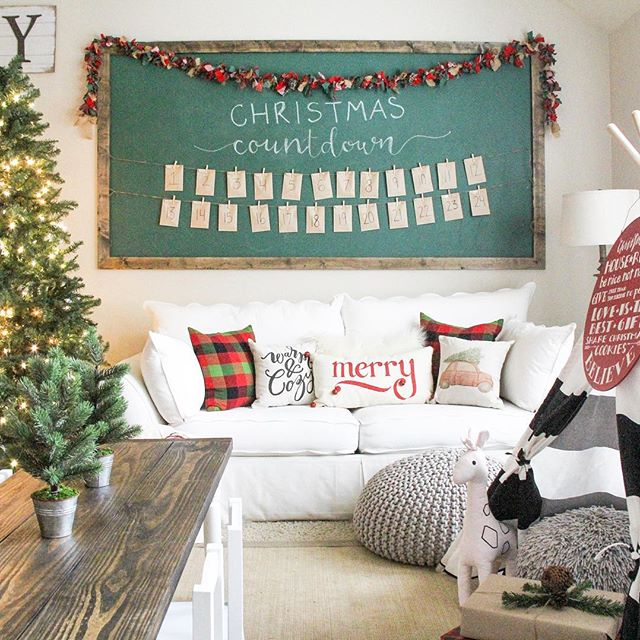 kids playroom decorated for christmas
