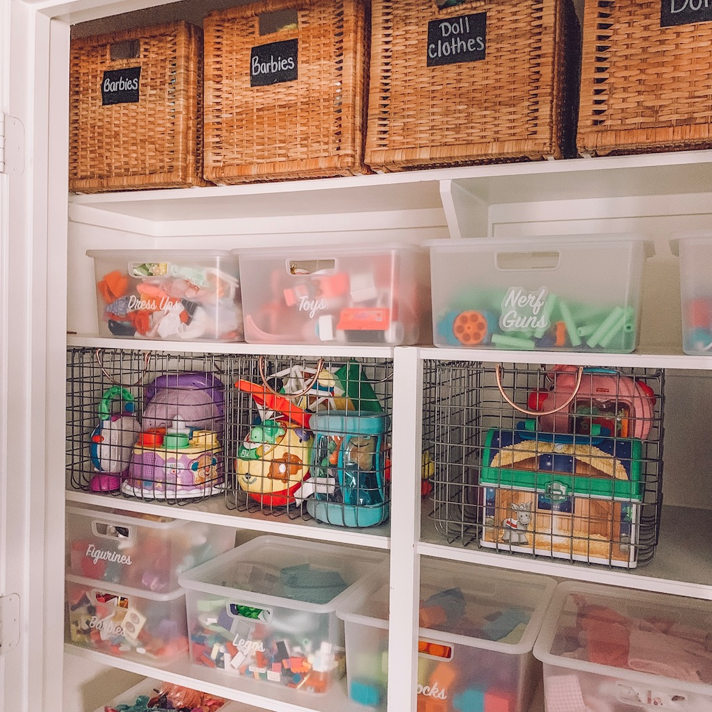 organize kid's toys in your playroom