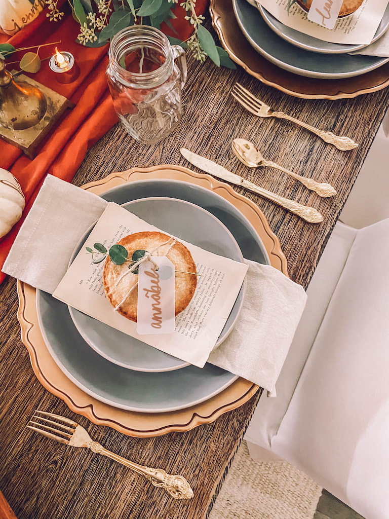 simple thanksgiving neutral decor