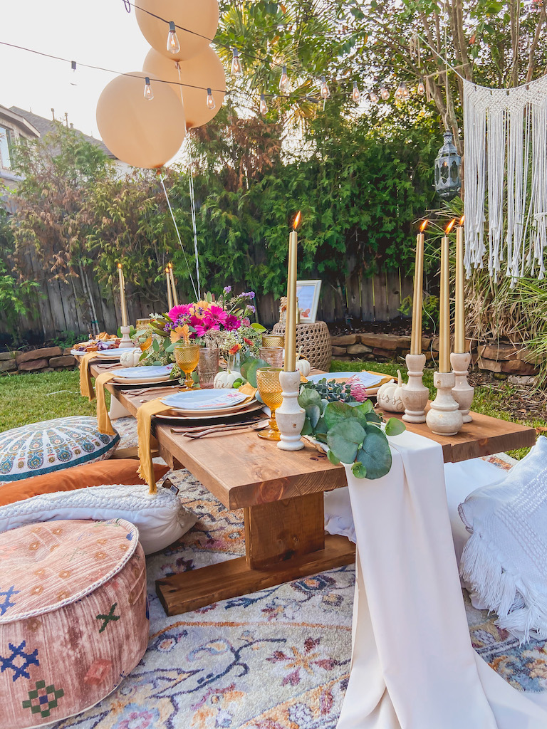 fall tablescape idea outdoor