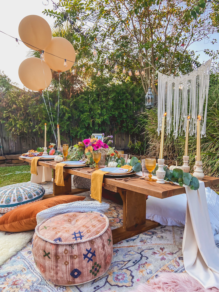 bohemian outdoor friendsgiving ideas