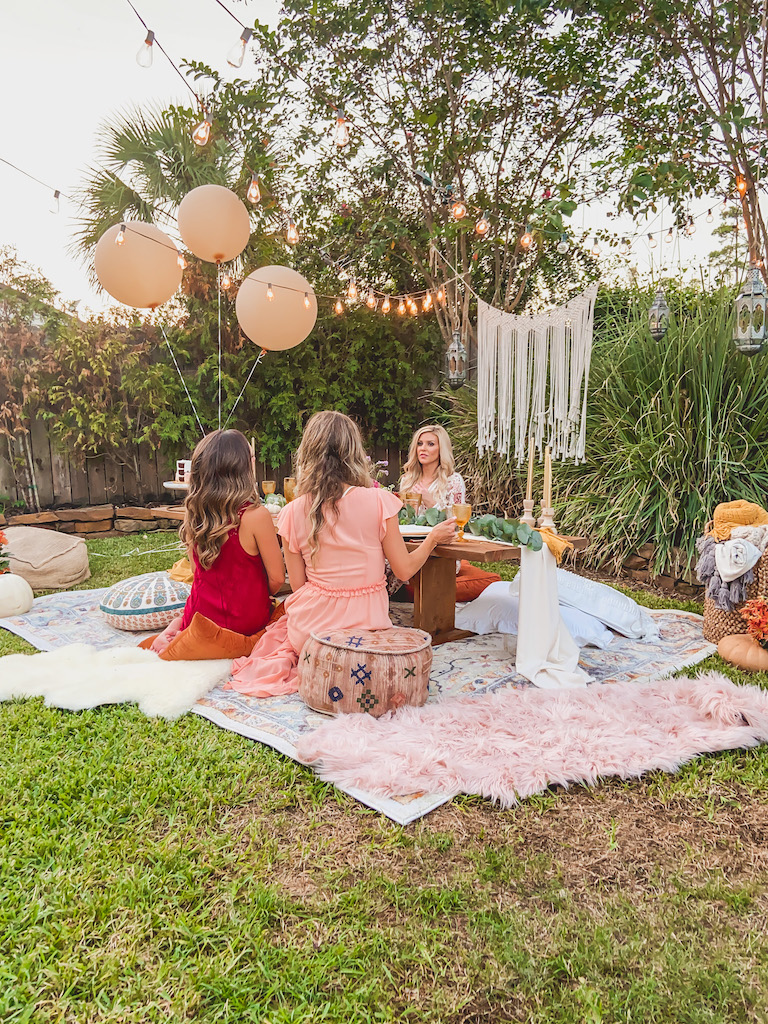outdoor party ideas boho friendsgiving