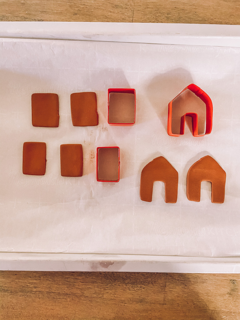 diy mini gingerbread house