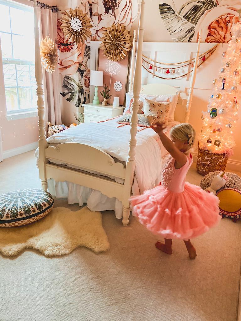 girls room christmas