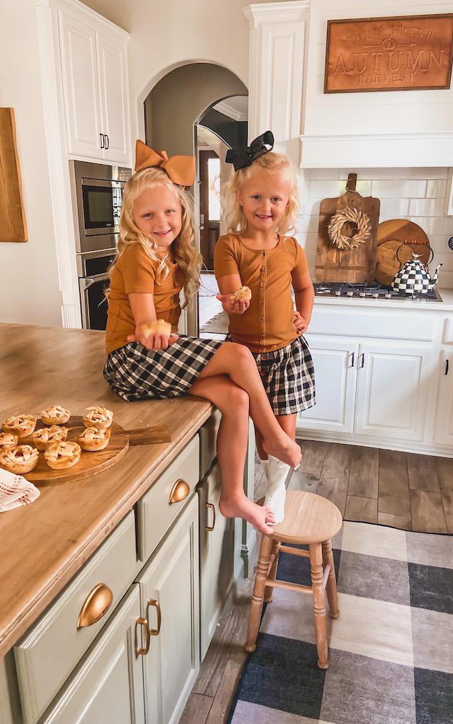 easy mini apple pies fall dessert